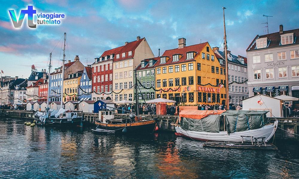 Scoprire Copenaghen: tra biciclette, storia e colori